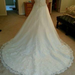 Casablanca Ivory Wedding Dress size 12